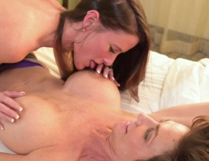 SofieMarieXXX/Break The Seal f. Deauxma