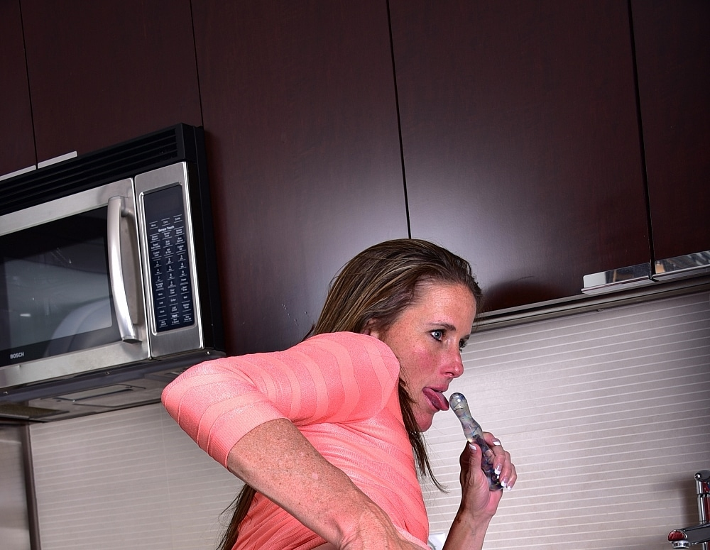 SofieMarieXXX/Hot_in_the_Kitchen