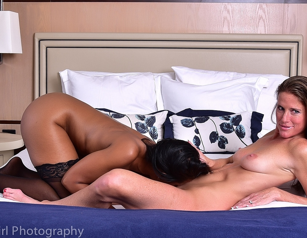 SofieMarieXXX/SM_Raven_and_Sofie_Cosmo_Nude_Bed_Prone_Web