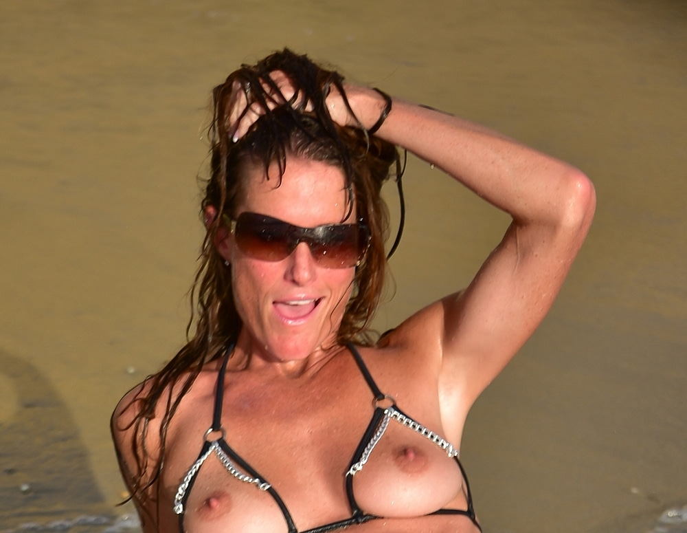 SofieMarieXXX/dubio_black_chain_bikini_blacks_beach